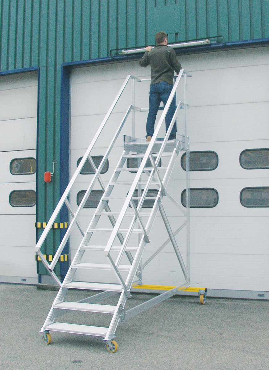 Hymer Podesttreppe fahrbar 45° 5 Stufen - 1000 mm