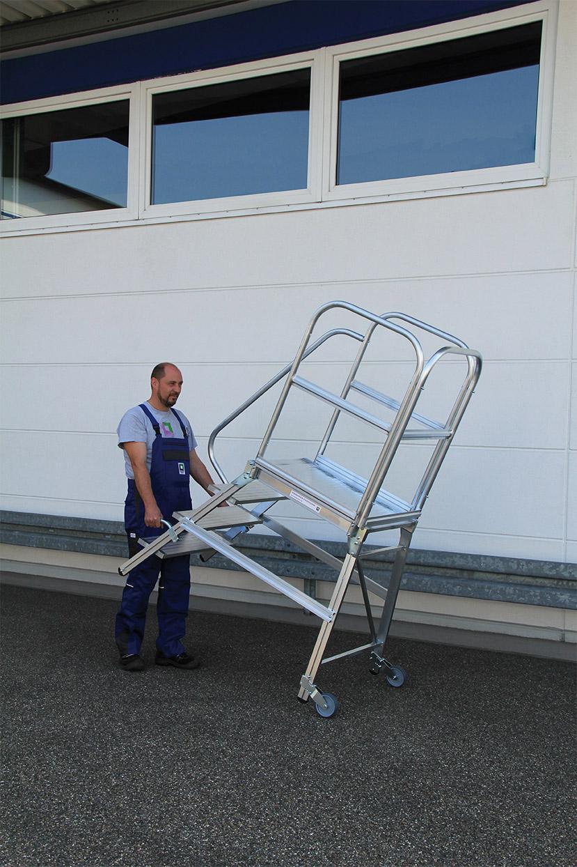 Günzburger Alu-Podestleiter mit Rollen und Griff 3 - 8 Stufen